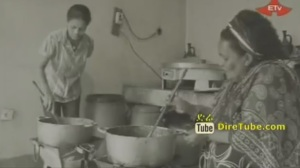 Cooking doro wot in Ethiopia