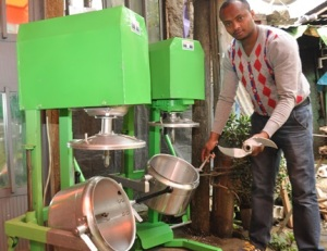 Ashenafi Bekele and his onion-chopping machine